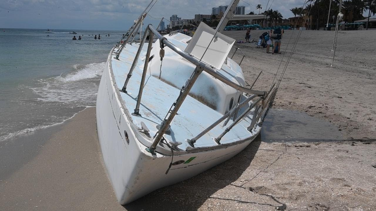Hollywood wants stranded sailboat on beach removed