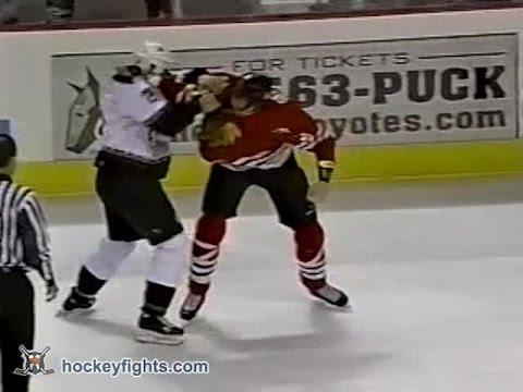 Jason Strudwick vs Darcy Hordichuk Nov 28, 2002