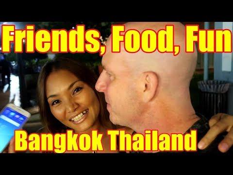 Thai Food and Friends in Bangkok V323