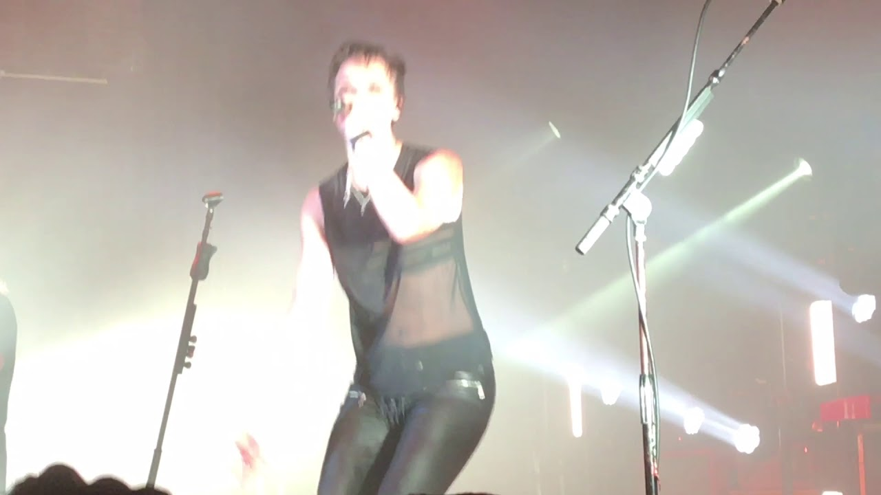 Halestorm - Here\'s To Us. Live @ The Space, Westbury New York, Oct 8 ...