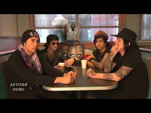 ESCAPE THE FATE ALIVE WITH NEW ALBUM AFTER NEAR-DEATH EXPERIENCE!