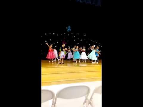 Baile del gorila ketelsen elementary school kingergarden graduation Houston tx.
