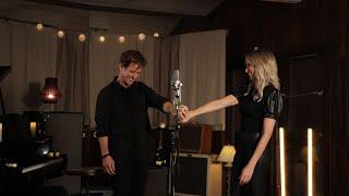 Смотреть клип Debbie Gibson & Joey Mcintyre - Lost In Your Eyes, The Duet