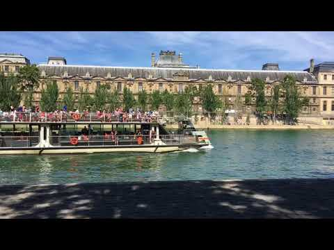 Strolling along the river Seine (Part 1)