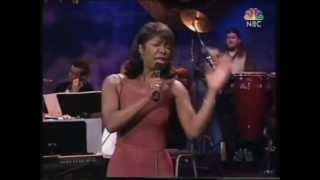 Natalie Cole LIVE - Smile Like Yours