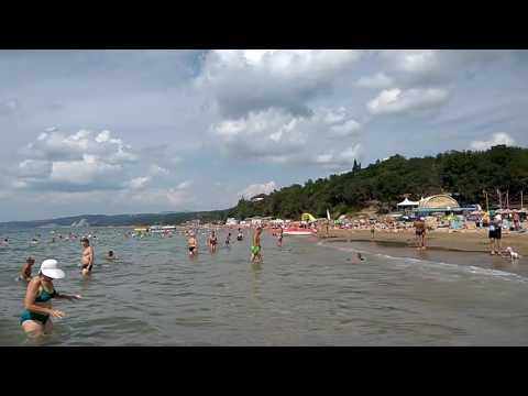 Песчаный пляж на Черноморском побережье