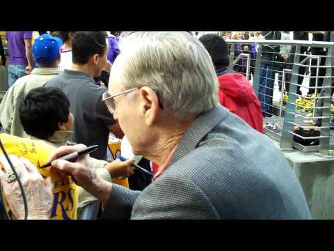 NBA Hall of Famer Bill Sharman signing autographs at Staples Center.