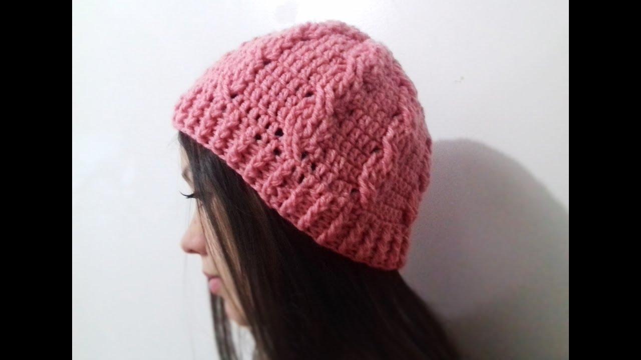 Touca Gorro Feminino de Crochê Ponto Trança - YouTube d1e23e6372f