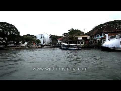 Vypeen-Fort Kochi ferry