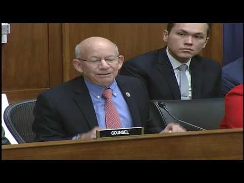 Ranking Member DeFazio questions panel on air transportation in the US