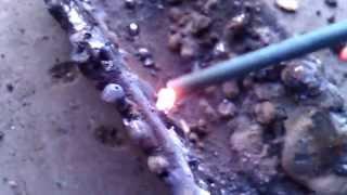 плохой_электрод.mp4(Электрод тройка (МР-3С), ток постоянка (120-140А). Электрод побывавший в сырости. Выгорает металл, остается обмаз..., 2011-10-10T16:44:11.000Z)