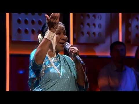 Asha Bhosle live bij De Wereld Draait Door
