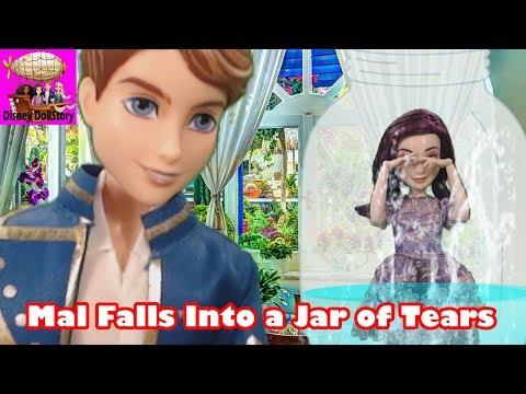 Mal Falls into a Jar of Tears - Part 10 - Moana Descendants in Wonderland Disney