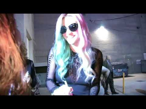Kesha Looking Hot in Rainbow Colored Hair