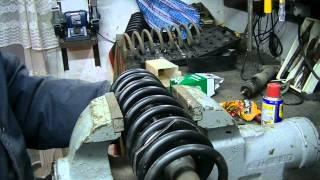 Как снять и установить передние пружины. Замена нижней шаровой опоры. ВАЗ Классика.