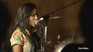 Jhene Aiko Performs '3:16 AM' - Live Bytes