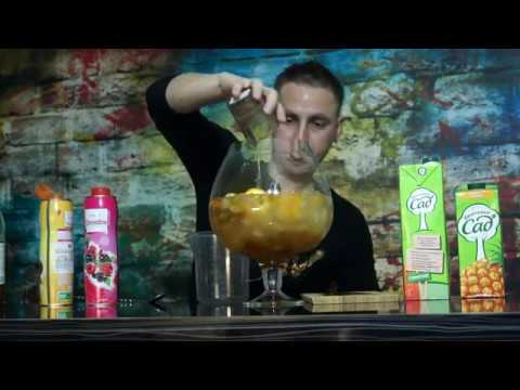 Новогодний коктейль на компанию Ураган пунш