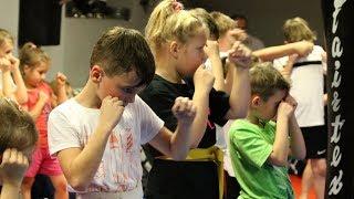 Egzaminy kickboxingu najm³odszych adeptów Fight Academy Ostro³êka