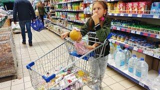 ШОППИНГ ! Яна КАК Мама делает ПОКУПКИ в магазине с куклой Настя