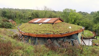 Off Grid Earthbag Workshop Part 71 Facias And Turfing The Roof