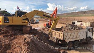Komatsu PC200 Excavator Loading Trucks   អេស្កាវ៉ាទ័រជីកដីដាក់ឡាន