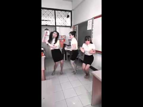 Thai Dance 2015 funny
