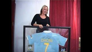 Meet Leanne Blonde - A Die Hard MS Dhoni fan !