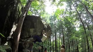 Height: 182,5 cm / Grade: V1 Bouldering in Fubuke, Japan (2017/08/26)