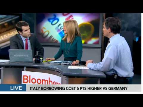 Sara Eisen in a sexy tight pencil skirt, bloomberg TV 9th Novemver 2011