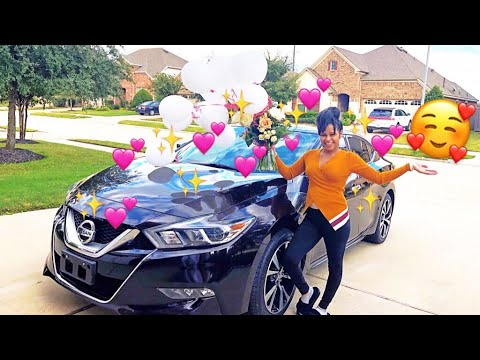 SURPRISING MY GIRLFRIEND WITH A SCAVENGER HUNT TO HER NEW CAR !