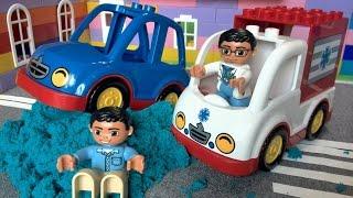 Мультики про машинки. Машинки. Кинетический песок - авария на дороге. Видео для детей.(Мультики про машинки. Машинки. Lego Duplo. Поучительный Лего мультик про детей, которые играли в кинетическом..., 2016-05-21T11:53:46.000Z)