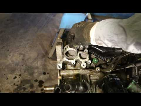 How to replace Ford Zetec engine thermostat