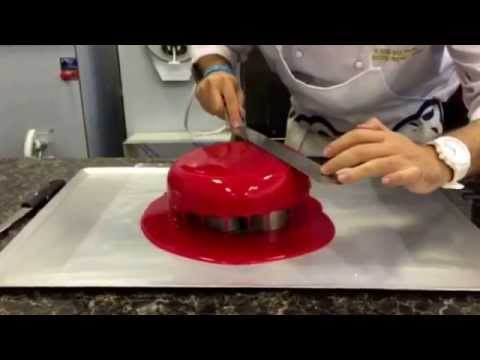 Comment faire un gla age appell 39 miroir 39 technique d for Glacage rouge miroir