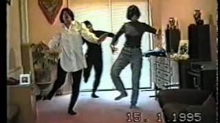 Burmese / Myanmar dancing .  Hmanyaway.mp4