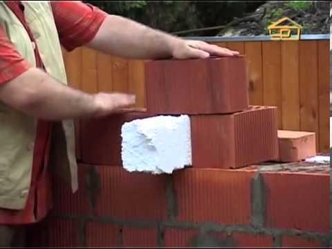 видео: Как правильно строить стены из кирпича.
