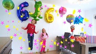 С днем рождения, Аким! Амелия и Авелина готовят подарки