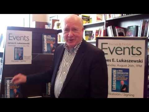 Barnes And Noble 8 26 15 Book Event - Lukaszewski On Crisis Communication