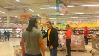 Picchia la figlia al supermercato ma la reazione dei clienti speciale Festa del Papà