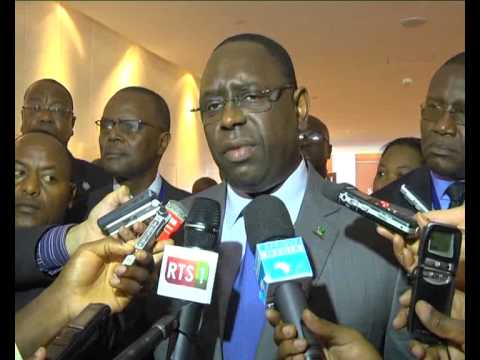 Situation au MALI   INTERVIEW Son Excellence MACKY SALL sur AFRIQUE MEDIA Television