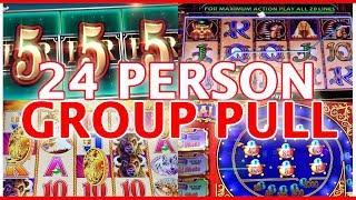 👯👬 24 Person GROUP SLOT PULL💰🎊 ✦ Cosmo Las Vegas ✦ Slot Machine Pokies w Brian Christopher