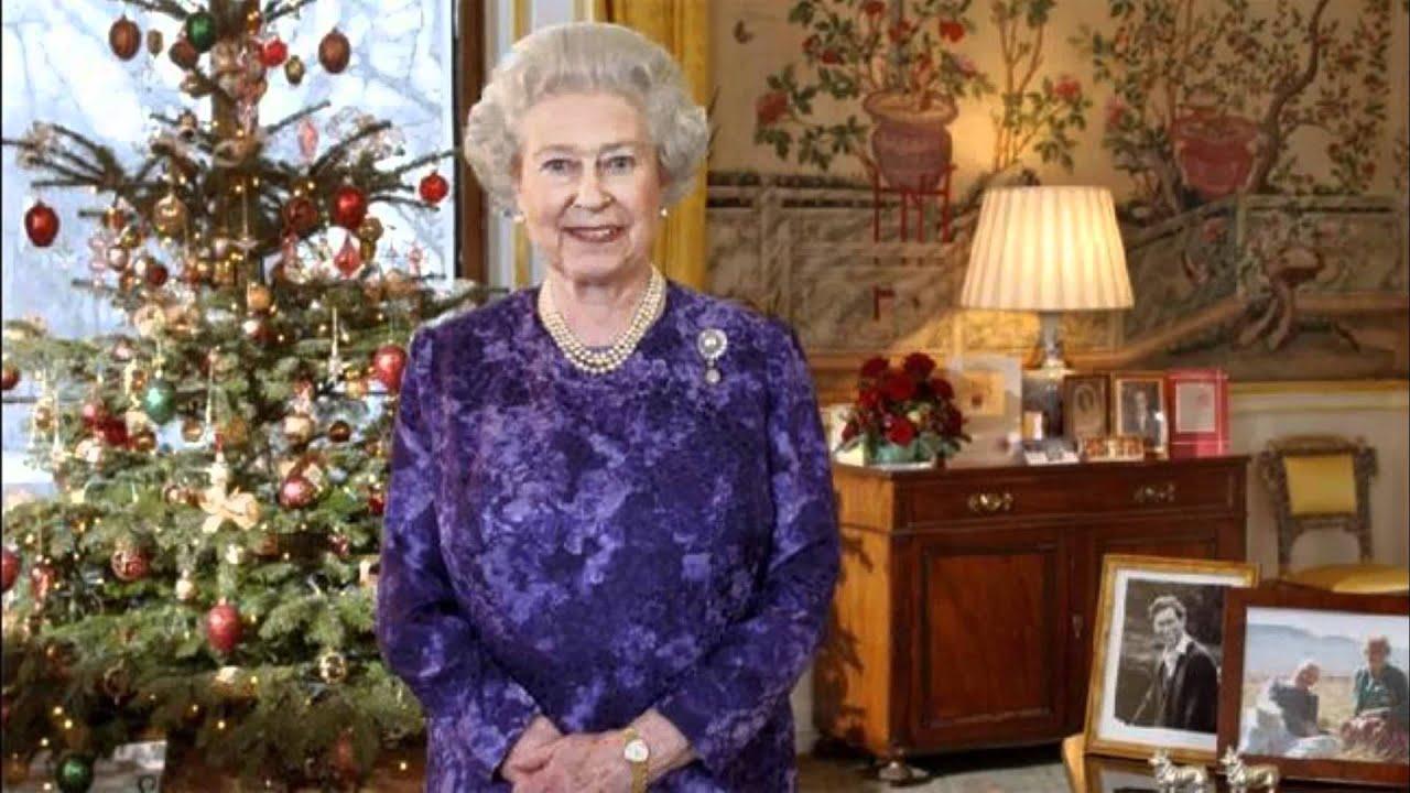 Queen Elizabeth II's Christmas Message 2011 (Parody) - YouTube