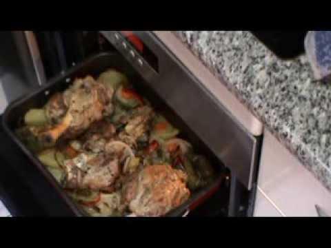 Como cocinar codillo al horno youtube for Cocinar kale al horno