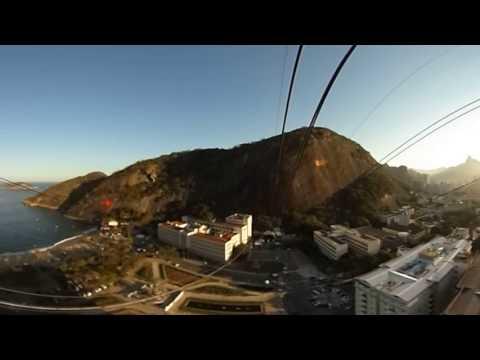 360 VIDEO: Sugarloaf Mountain cable car descending in Rio de Janeiro