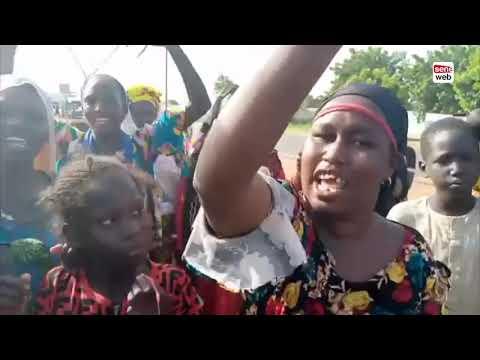Ngabou: Marche improvisée des femmes du village pour réclamer l'arrivée de Sokhna Aida Diallo