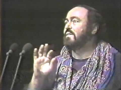 Luciano Pavarotti Rehearses in Monterrey, November,1990