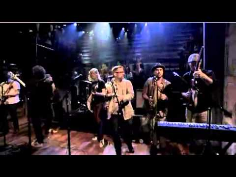 Broken Social Scene feat. Feist - 7/4 (Shoreline) (Jimmy Fallon)