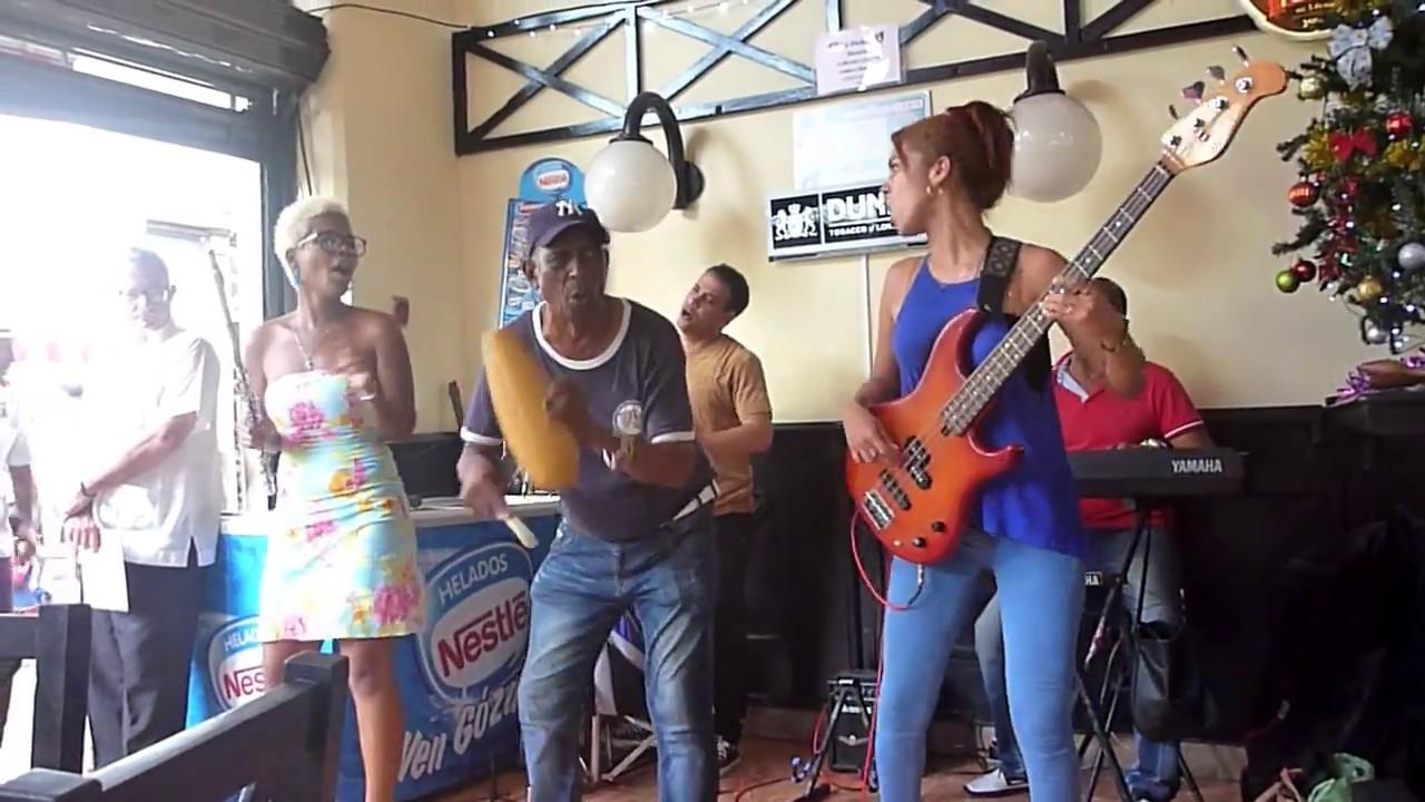 Live Cuban music at La Dichosa and Cafe Suiza (Havana, Cuba)