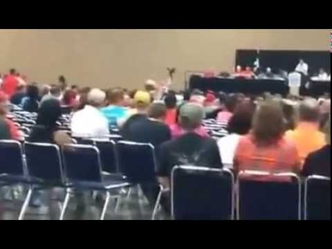 Autoworkers confront UAW at Toledo meeting 9/27/15