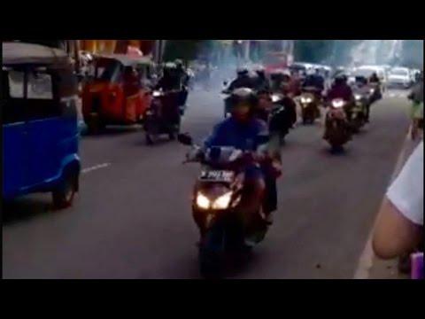 「インドネシアの交通事情」''Wong telu''komedian jepang ザ・スリー