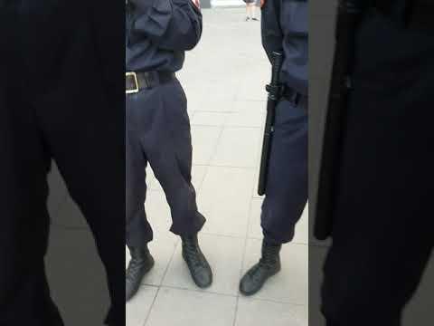 Узбек и четыре полицейских. Незаконное проверка документов